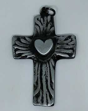Cruz metalica 8 x 5 cm. corazon
