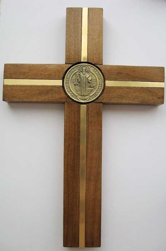 bc86b2c3699 Cruz San Benito madera Coigue con incrustacion bronce